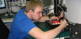 Фото - ремонт блоков управления двигателем на стенде, nptrans.ru