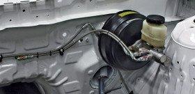 На фото - главный тормозной цилиндр Nissan 240SX, modified.com