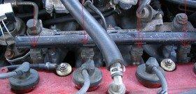 На фото - место измерения компрессии дизельного двигателя, autogazeta.by