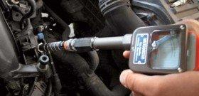 Фото измерения компрессии дизельного двигателя, avtowithyou.ru