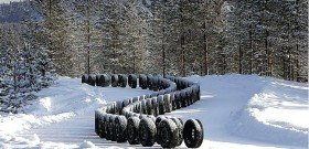 На фото - как хранить зимние шины? carnewsweek.ru