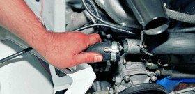 На фото - как проверить термостат на машине, autoprospect.ru