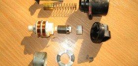 На фото - чистка регулятора холостого хода, 84f812d7-a-62cb3a1a-s-sites.googlegroups.com