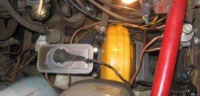 На фото - устройство вакуумного усилителя тормозов, dgpi.ru