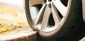На фото - предстоит ремонт боковых порезов шин, shinamost.ru