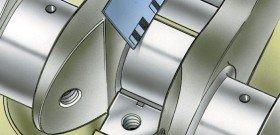На фото - определение зазора между вкладышем и коленвалом, avtoremont61.ucoz.ru