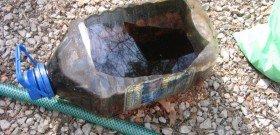 На фото - не оставляйте мусор после замены антифриза, photo.qip.ru