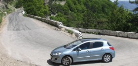 Фото торможения двигателем на повороте, axainfo.net