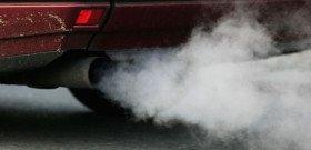 На фото - дымит и троит холодный дизельный двигатель, mtdata.ru
