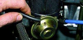 На фото - системы зажигания двигателя автомобиля, enstru.kz