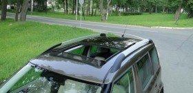 На фото - установка люка на крышу, avtomarket.ru