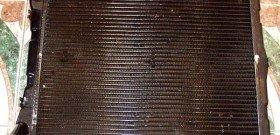 На фото - автомобильный радиатор, seliger2010.com