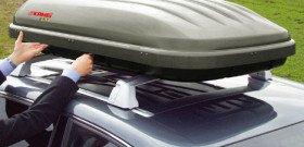 На фото - установка багажника на крышу авто, actpa.su