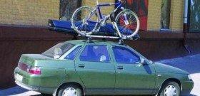 На фото - багажник для велосипеда на крышу, la-granta.ru