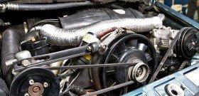 На фото - чистка двигателя автомобиля, koch-sib.ru
