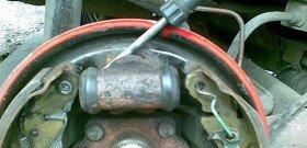 Фото - как поменять задний тормозной цилиндр, avto.pro