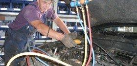 На фото - диагностика и ремонт автокондиционера, Фото автокондиционера, termomir.com