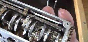 На фото - самый маленький двигатель внутреннего сгорания, i1.ytimg.com