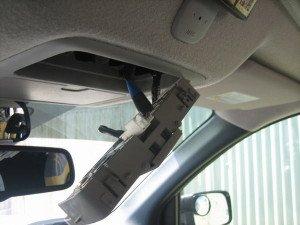Фото о том, как снять плафон освещения, drive2.ru