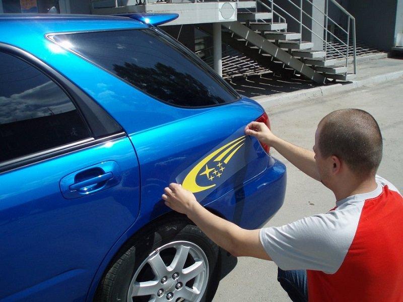 На фото - виниловая наклейка на авто узоры, tsnv.ru