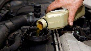 Фото правильной замены масла в двигателе, resources1.news.com.au