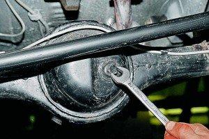 Фото гаечный ключ для замены сальника редуктора заднего моста, indigo-auto.ru