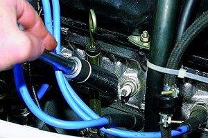 Фото замены и диагностики двигателя по состоянию свечей, autoprospect.ru