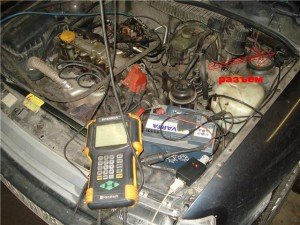 На фото показано, как проверить датчик детонации, s03.radikal.ru