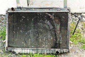На фото - как очистить радиатор автомобиля, avto-info.org