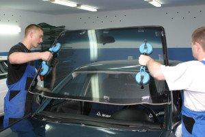 Фото установки лобового стекла, автостекла-нк.рф