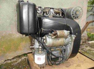 На фото - двухцилиндровый дизельный двигатель для минитрактора, bboard.com.ua