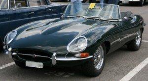 На фото - Jaguar E-type, logsoku.com