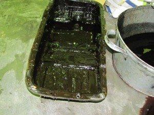 Фото - слитое масло при промывке масляной системы двигателя, hondavodam.ru