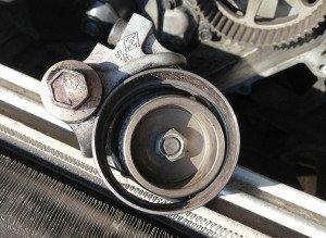 На фото - как вытащить подшипник из коленвала, sam01.users.photofile.ru
