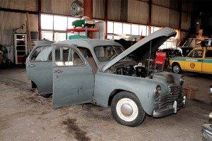 На фото - замена двигателя на автомобиле, autoreview.ru