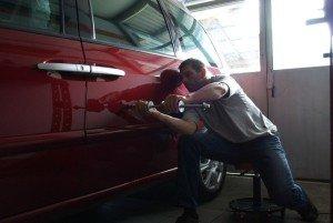 Фото удаления вмятины, 365cars.ru
