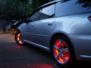 Фото подсветки дисков автомобиля, autostuling.ru