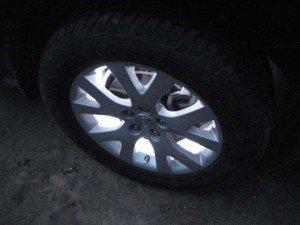 На фото - подсветка колесных дисков, autoshcool.ru