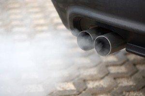Фото синего дыма из выхлопной трубы, blogocar.net