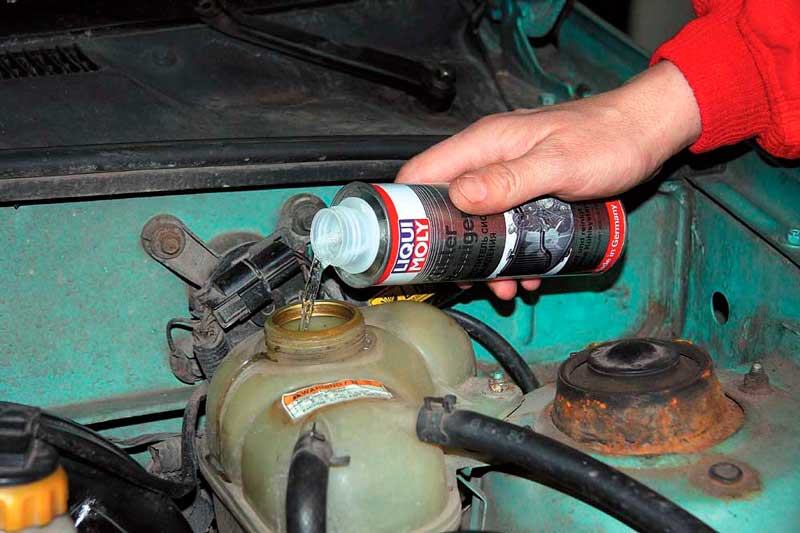 Замена масла в двигателе авто своими руками