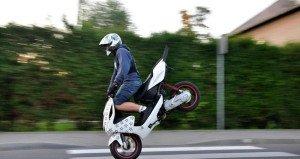 На фото - обкат скутера, scooterclub.ru