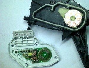 Фото ремонта электронной педали газа, master-injector.ru
