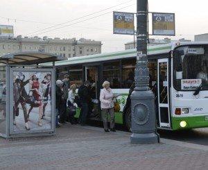 На фото - правильная посадка пассажиров, metroblog.ru