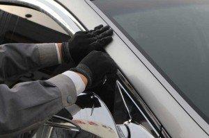 На фото - чем приклеить дефлекторы на автомобиль, top-tuning.ru