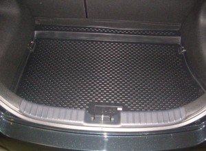 На фото - полиуретановый коврик в багажник автомобиля, toyoinfo.ru