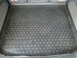 Фото структуры поверхности резинового коврика, touran-club.ru