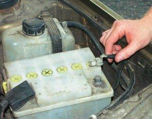 Фото определения плотности электролита, i94.ru