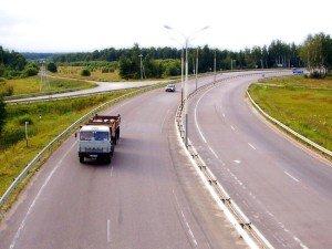 На фото - ширина проезжей части, autonews.autoua.net