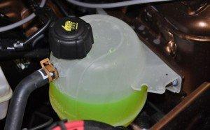 Фото уровня охлаждающей жидкости в расширительном бачке, dusters.ru