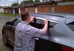 Фото установки хромированных дефлекторов боковых окон, drive2.ru